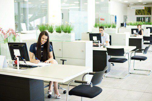 Coworking office cleaning services in NYC by SanMar Building Services LLC in Midtown Manhattan. Office cleaning services by bonded and insured professional NYC office cleaners.